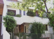Casa de 4 plantas en barrio caferatta (pque. chacabuco)