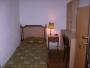 Alquilo habitaciones simples y dobles