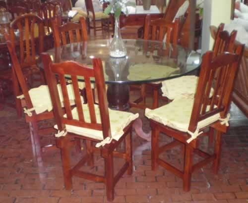 Arte y decoracion muebles de algarrobo en villa ballester for Muebles baena