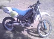 Vendo moto enduro buena
