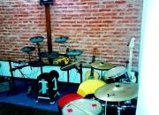 Clases de guitarra, bajo, batería, piano y canto