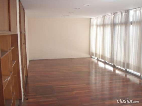 Apurado vendo dueño alquila oficinas/ consultorios 300 m2 en microcentro de mendoza a precio bajo