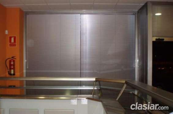 Fabrica de cortinas venecianas aluminio 25 mm hilos y escaleras blancas $ 750 m2