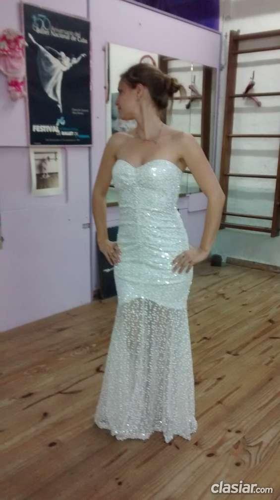Hermoso vestido de fiesta, importado