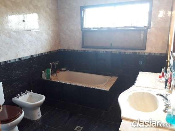 Fotos de Dueño vende casa en guaymallén barrio privado 1000mtrs. 5