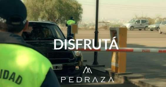 Seguridad 24hs. control de ingreso y egreso. alerta de siniestros y emergencia médicas las 24hs.