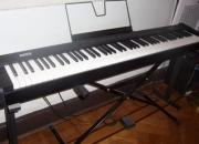 PIANO DIGITAL KORG SP 100 + amplificador CRATE 15W