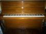 VENDO PIANO VERTICAL COMO NUEVO