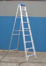 Escalera de aluminio tijera simple acceso 2,70 mts. 9 escalones