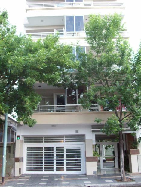 2 ambientes alquiler a una cuadra de subte estacion puan balcon 2 años de antiguedad