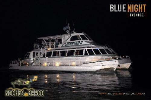 Fiesta en barco. sabado 7 de abril -organiza blue night eventos-