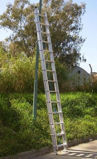 Escalera extensible aluminio reforzado 32 esc. alt 8.90 mts