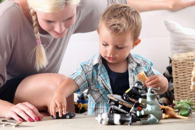 Cuidado de niños durante el dia mientras sus papas trabajan