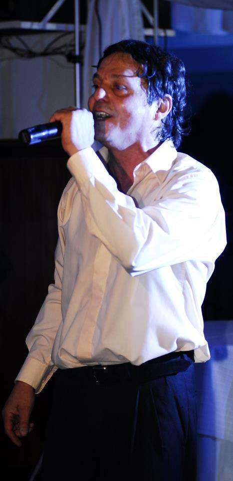 Richard santos cantante animador /showman