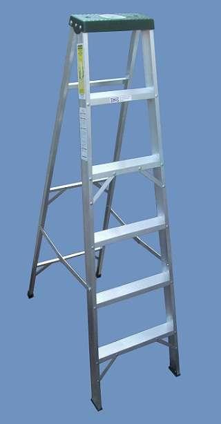 Escalera liviana aluminio tijera altura 1.80 mts de 6 escalones