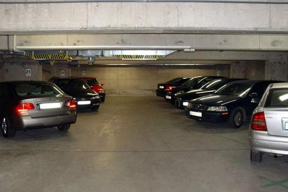 Garage de estacionamiento en venta. floresta. sobre av rivadavia. 2600m2