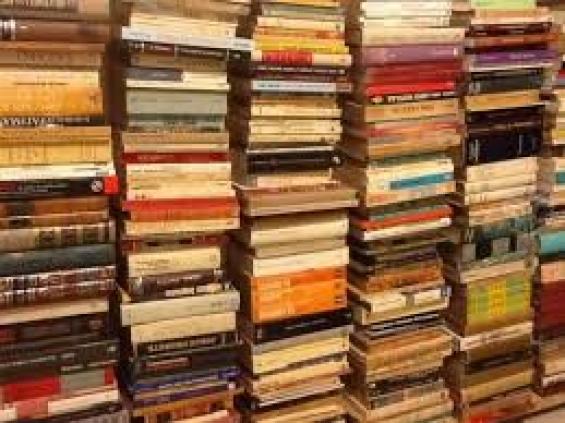 Compro libros usados retiro en el acto voy a domicilio te:4863-1084