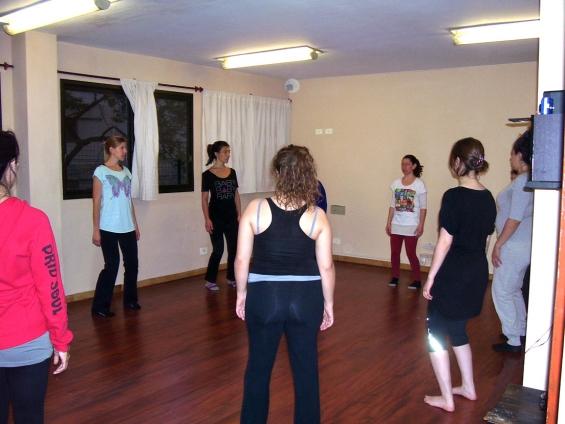Fotos de Alquiler salas para clases y escuelas de yoga-pilates-danzas-teatro-artes marcia 2