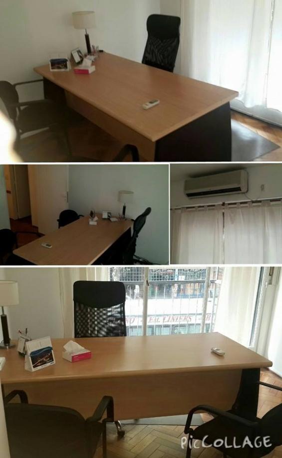 Consultorio amplio. luminoso. aire acondicionado. mobiliario de primera. salida al balcón.