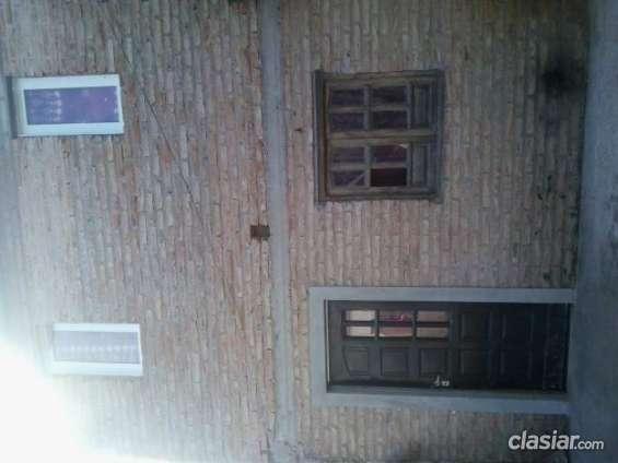 Apurado vendo casa en venta en el chañar