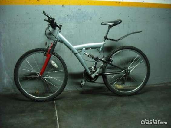 Vendo a buen precio bicicleta mountain bike doble suspension urgentemente!