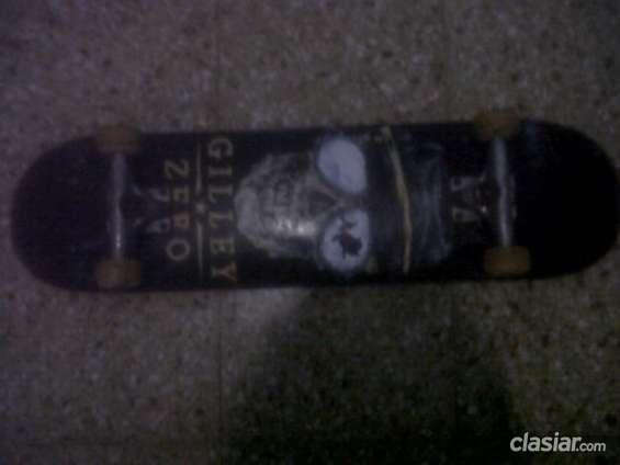 Buen precio! vendo skate casi nuevo!! espero tu respuesta
