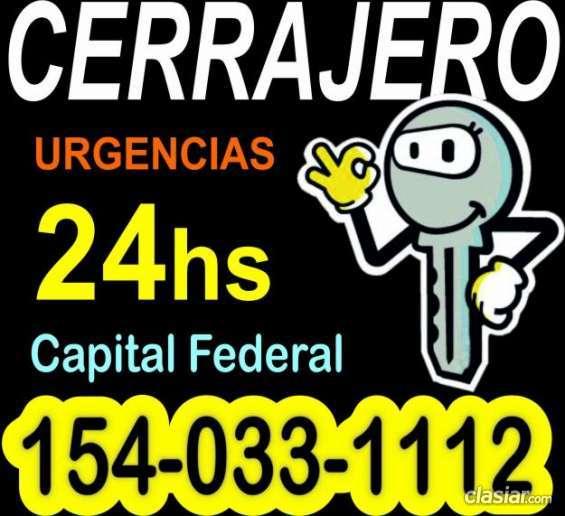 Se ofrece cerrajero de urgencias las 24hs en capital federal consultame sin cargo.