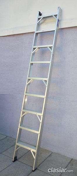 Hoy vendo escalera aluminio reforzada de 1 hoja altura 2.70 mts 9 escalones apta para estanterías consultame sin cargo.