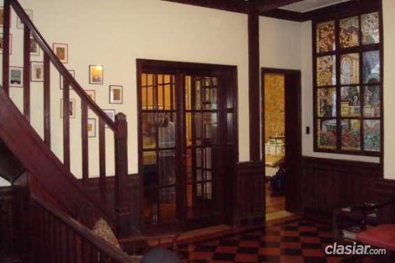Consulta por casa de articulos de decoracion en excelente estado.