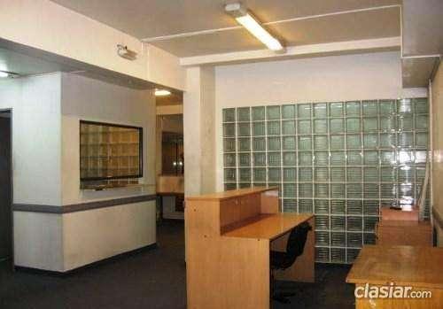 Vendo ya pasteur y av. rivadavia oficina 1º piso con entrada desde calle 295 m2 múltiples usos planta libre escucho propuestas.