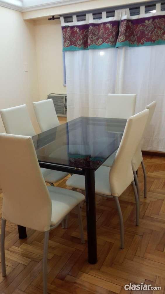 Juego de comedor - mesa de vidrio y 6 sillas