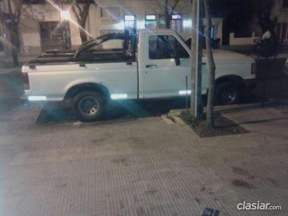 Vendo ford f 100 motor 3.6 con gnc muy poco uso.