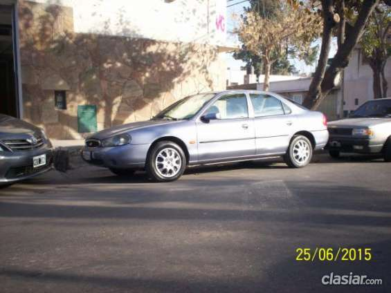 Poco uso ford mondeo turbo diesel 1999 full. acepto permuta.