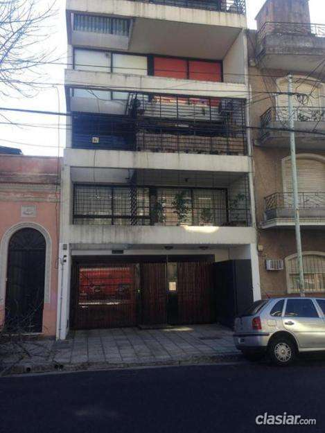 Urgente vendo departamento 3 ambientes / 2 baños/ 85m2 / balcón / lavadero en muy buenas condiciones.
