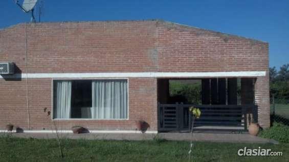 Hoy vendo casa 3 dormitorios 2 baños en country los cardales buen barrio.