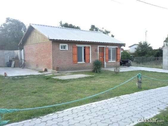 Urgente vendo casa exelente ubicacion buen barrio.