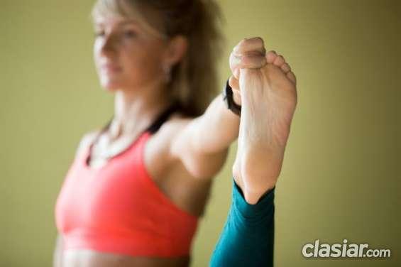 Yoga= movimiento consciente (studio sat-darshanam)