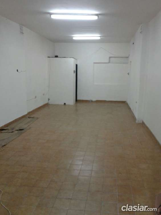 Ramos mejia zona av eva peron alquilo local 50m2