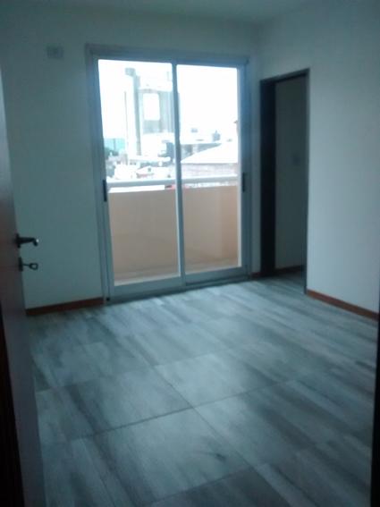 Fotos de Catamarca 3500. frente, balcón. categoría. a estrenar. 2 dorm. 5