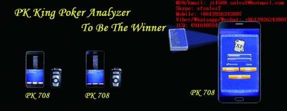 Juego de texas hold'em jugando en el analizador de póker samsung galaxy note 7 y viendo a los ganadores en el reloj